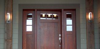 התאמת דלת כניסה למבנה